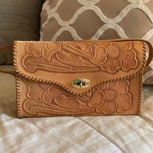 Handbags - Small western leather purse 🌸